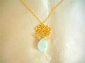 ブルーアラゴナイト&オレンジボツワナアゲート&ジェダイトの花ネックレス